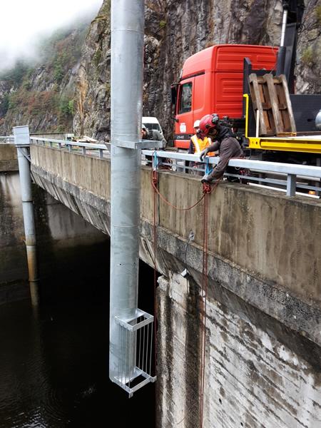 Chantier EDF sur le barrage de Labarthe